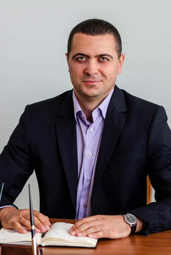 Стоянов Микола