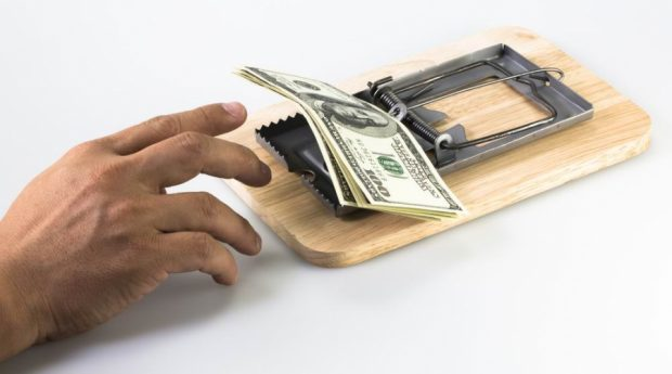 НКЦПФР просить українців не інвестувати у сумнівні фінансові проекти, що можуть бути аферою