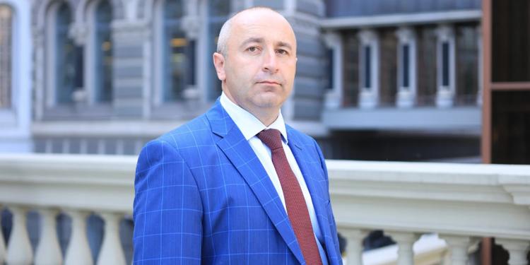 Олег Далеко